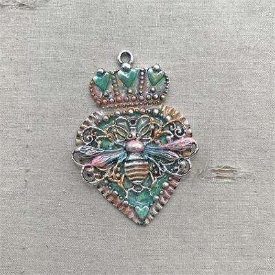 Skylar Vintage Crown Heart Queen Bee Pendant